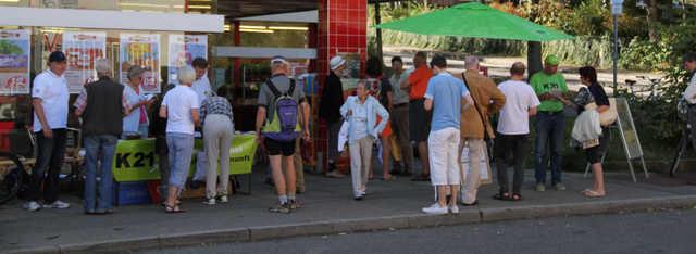 Potz Blitz Stuttgart 21 betrifft auch mich: Infostand zur Rohrer Kurve
